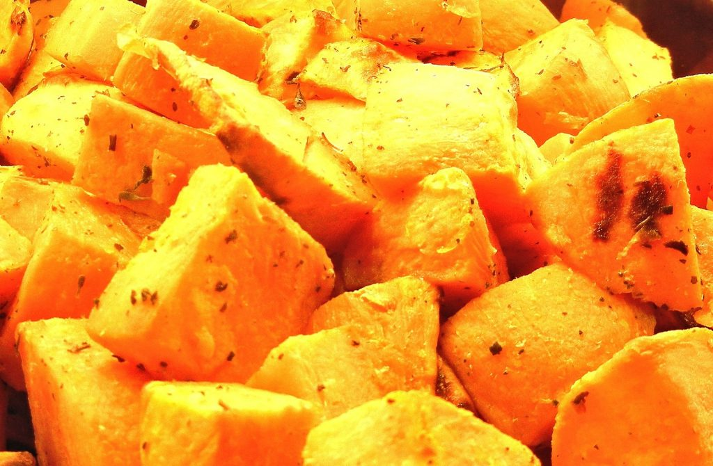 geroosterde zoete aardappel frites stukjes
