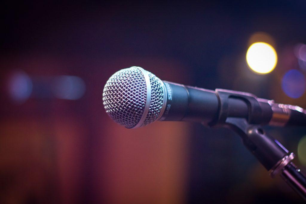 macro mic microphone 164829 e1545214958972 - Hoe komen onze medewerkers gezond de feestdagen door?