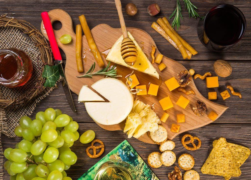 appetizer assorted bowl 302457 e1550674264408 - Kaas: te vet of eigenlijk vet gezond?