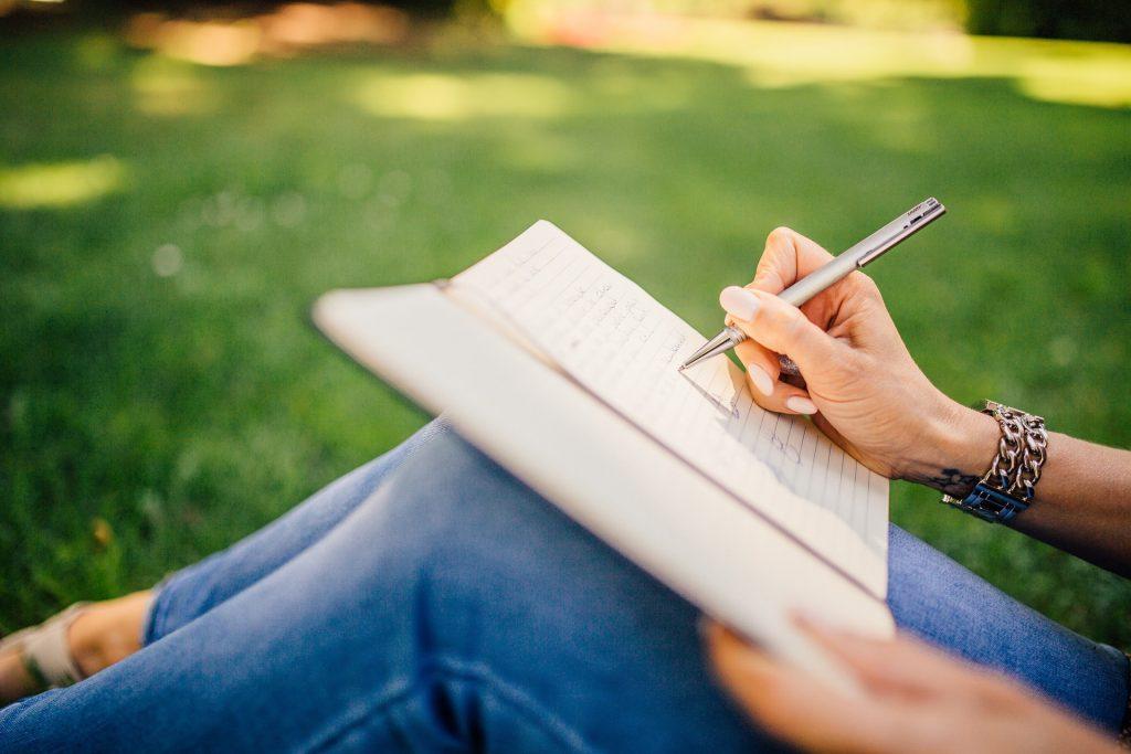 writing 923882 1920 1024x683 - Grammaticadag