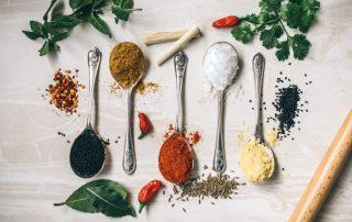 calum lewis 391372 unsplash e1559029974750 320x202 - Drie voordelen van kruiden voor je gezondheid