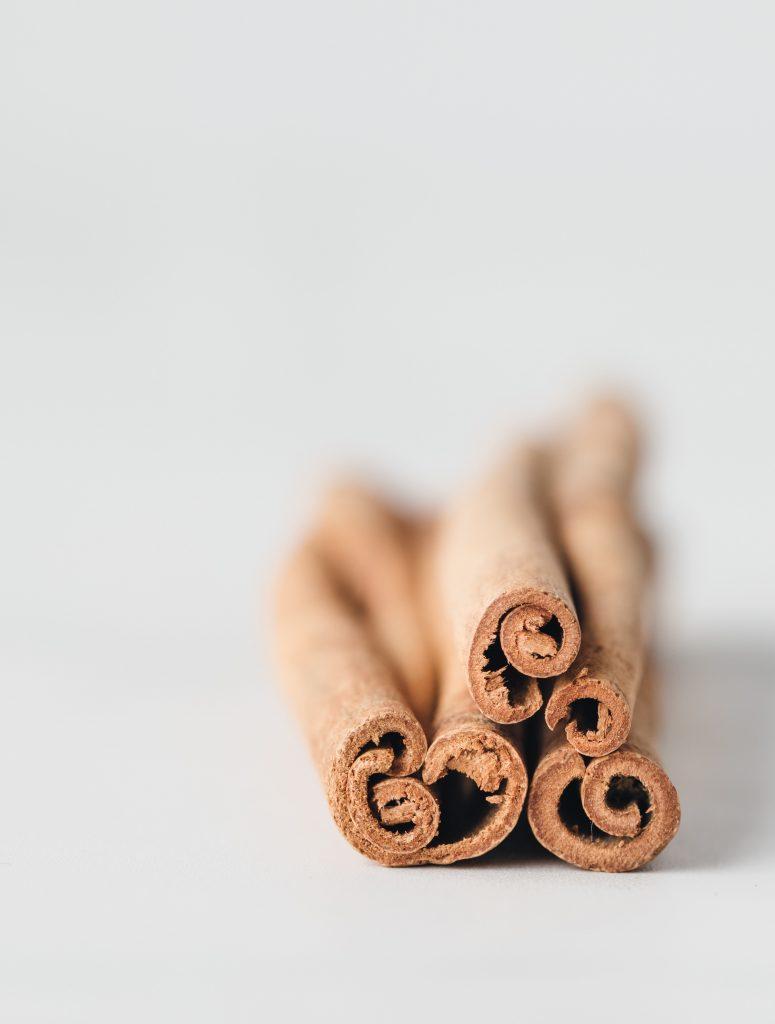 heather barnes 1553164 unsplash 775x1024 - Drie voordelen van kruiden voor je gezondheid