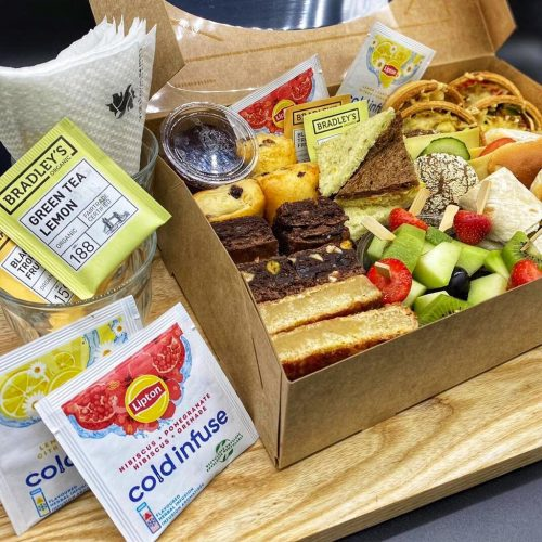 250c4ca4 42d3 47d3 afa5 4c28fd0957b1 500x500 - High-tea box 4 personen
